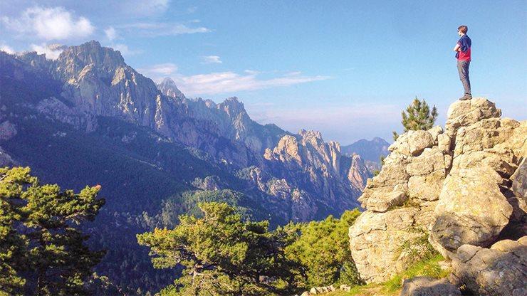 Blick auf die korsische Bergwelt