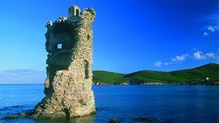 Ein Turm von Cap Corse