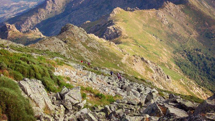 Wandern in den Bergen Korsikas
