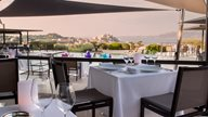 Restaurant  Terrasse in Calvi auf Korsika mit Blick auf die Zitadelle